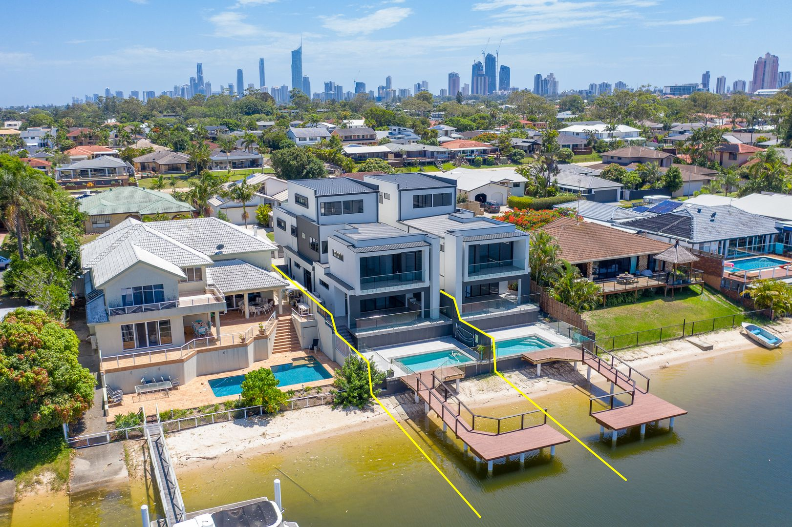 20A Delungra Street, Broadbeach Waters QLD 4218, Image 1