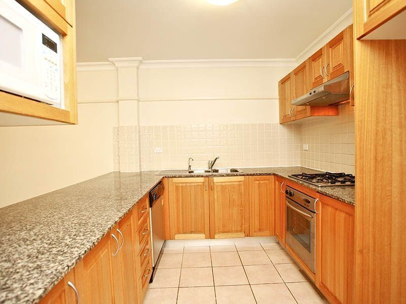 6/23-25 Showground Road, Castle Hill NSW 2154, Image 2