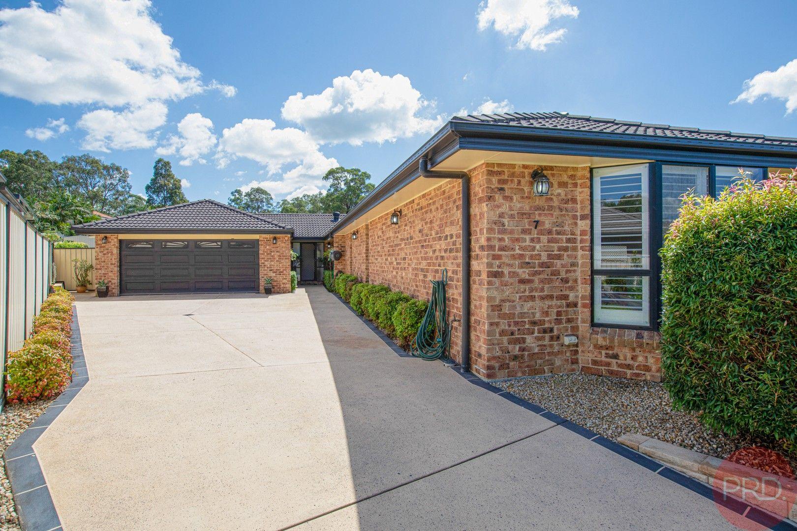 7 Pinetree Place, Ashtonfield NSW 2323, Image 0