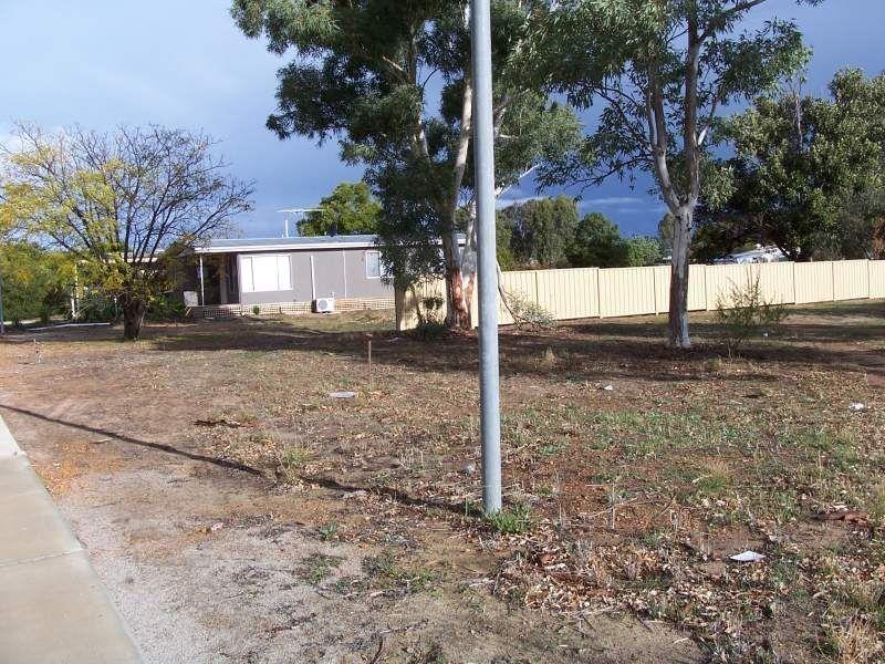 11 Byfield Street, Meckering WA 6405, Image 2