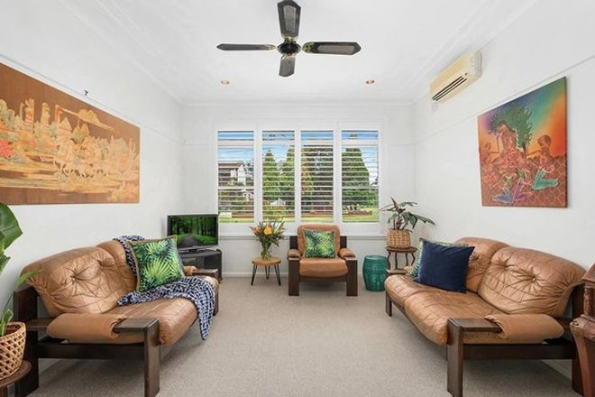 Picture of 10 Cooyong Crescent, TOONGABBIE NSW 2146