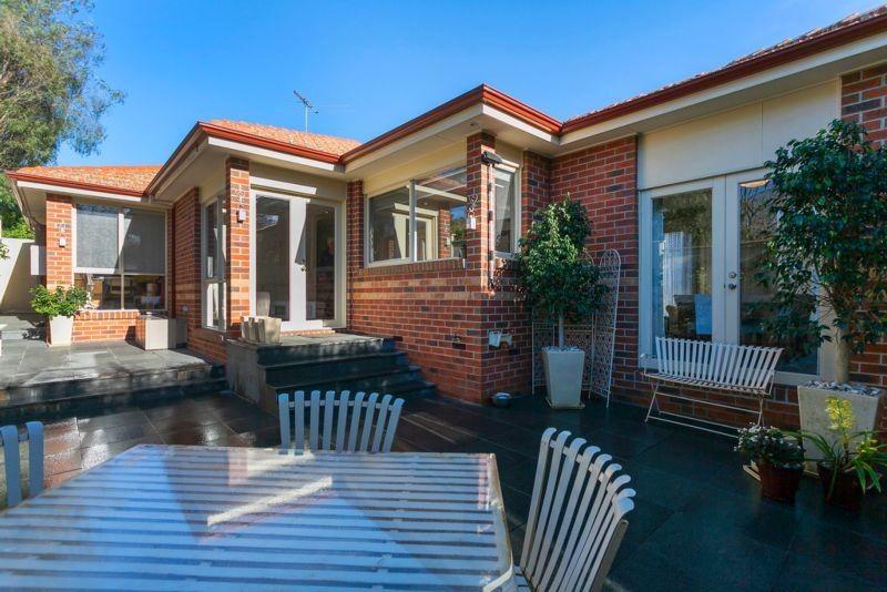 2/60 Windsor Crescent, Surrey Hills VIC 3127, Image 4
