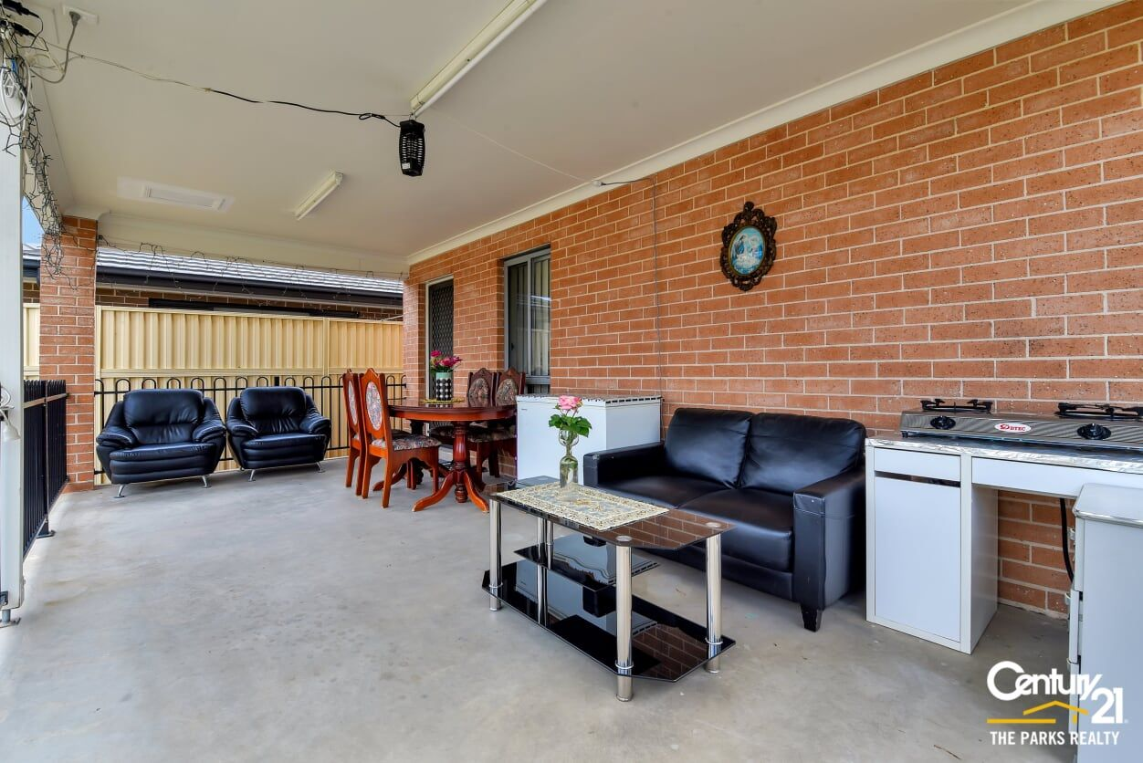 11A Prairievale Road, Bossley Park NSW 2176, Image 1