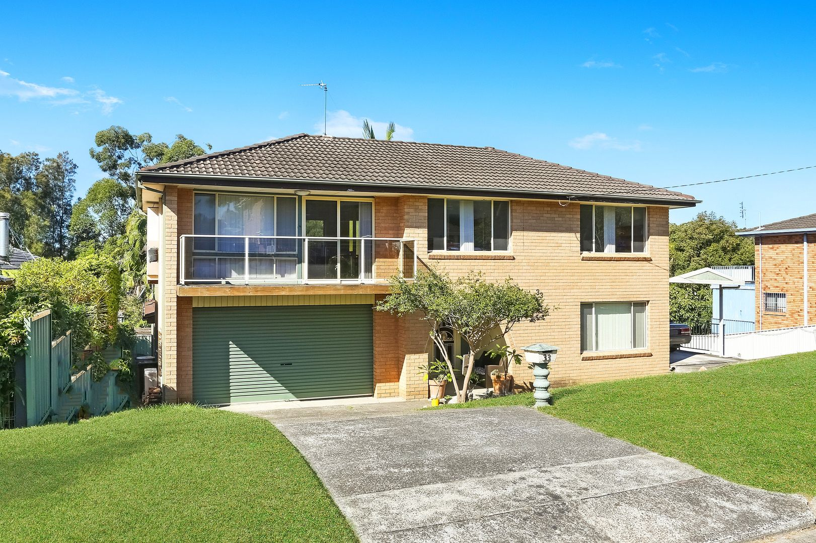 33 Collard Road, Point Clare NSW 2250