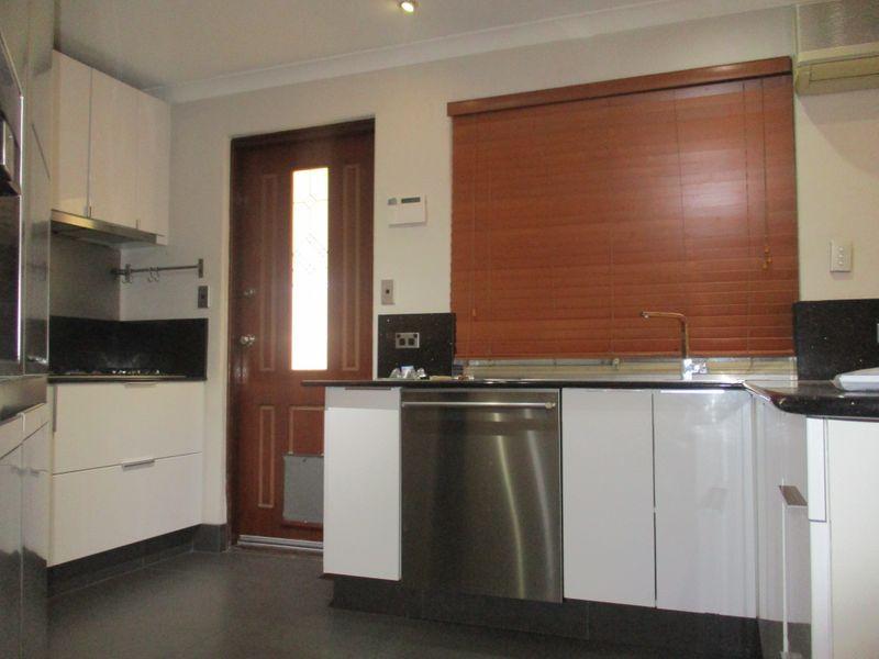 330 Illawarra Crescent, Ballajura WA 6066, Image 1
