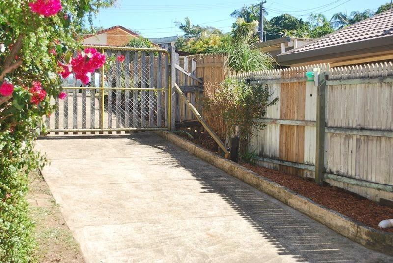 14 Pine Grove Street, Nerang QLD 4211, Image 2