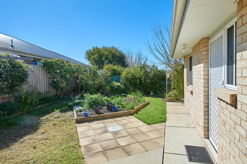2/7 Tikki Place, Glenfield Park NSW 2650, Image 6