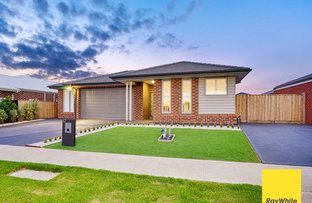 Picture of 17 Treeve Parkway, Werribee VIC 3030