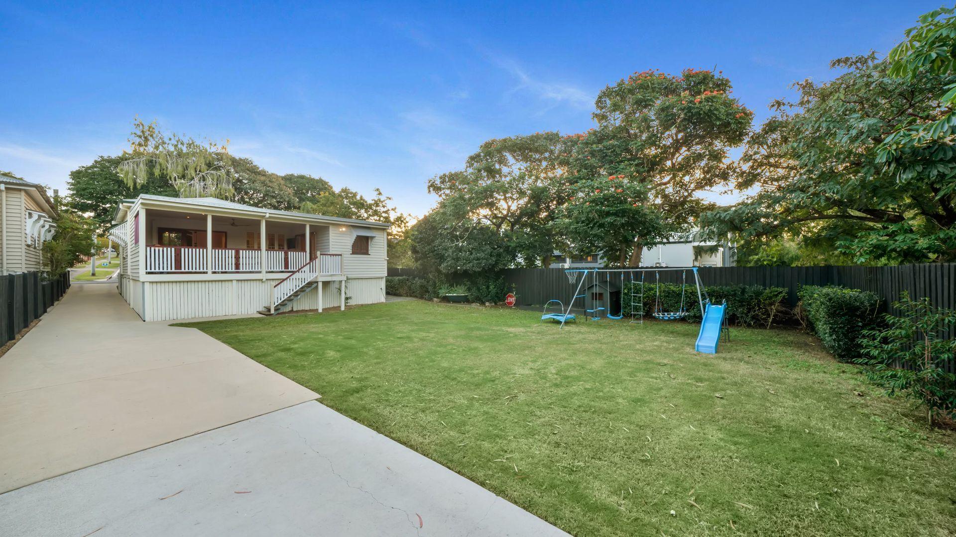 17 Burke Street, Coorparoo QLD 4151, Image 1