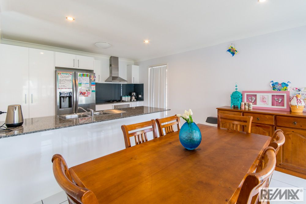 6 Wilton Court, Morayfield QLD 4506, Image 2