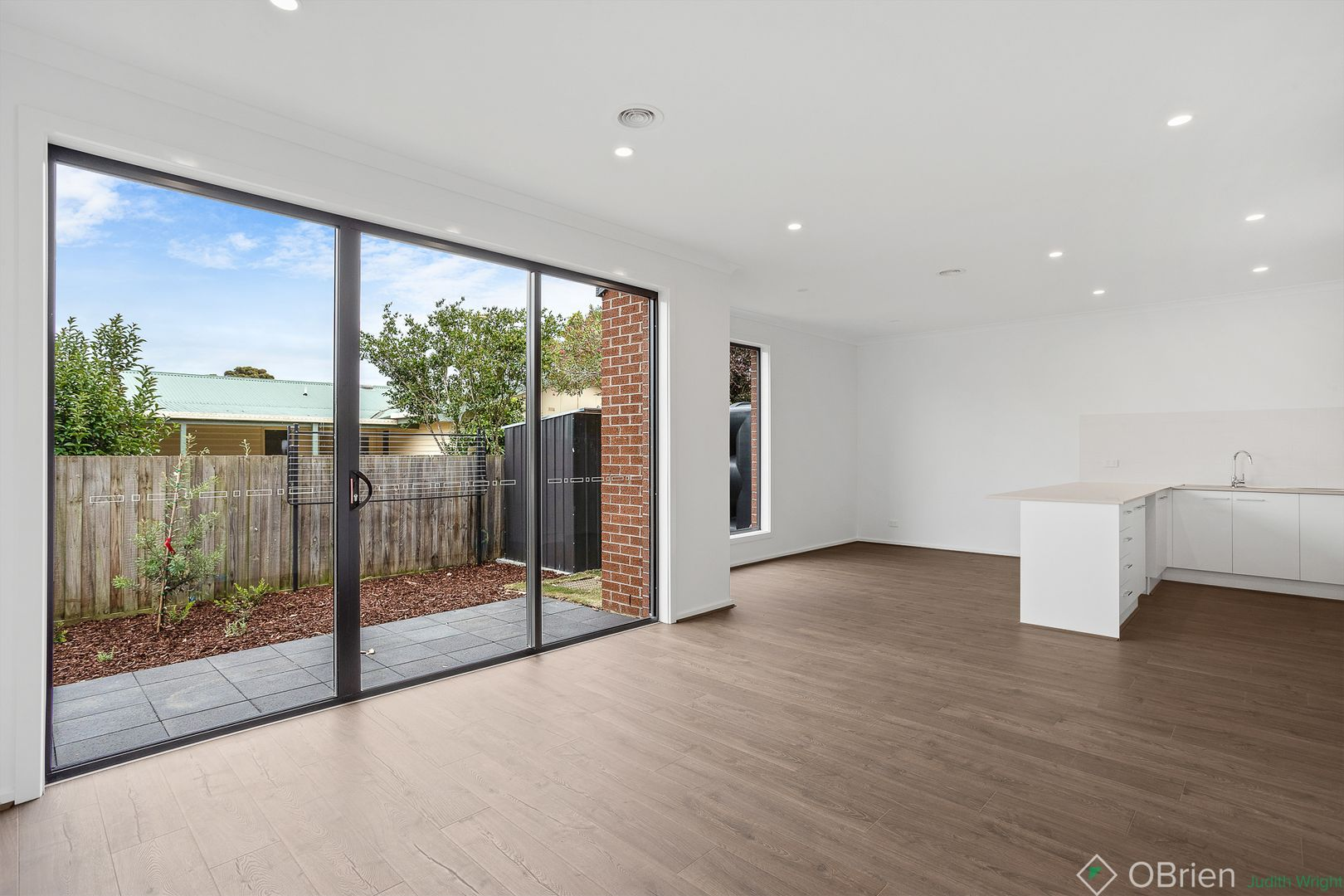 2-5/24 Grandview Grove, Cowes VIC 3922, Image 2