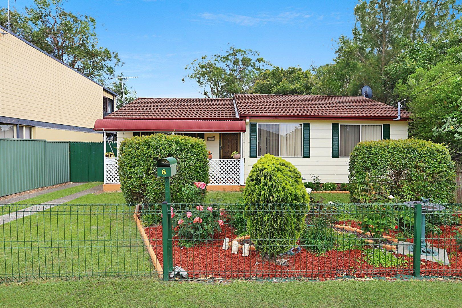 8 Elizabeth Bay Drive, Lake Munmorah NSW 2259, Image 0