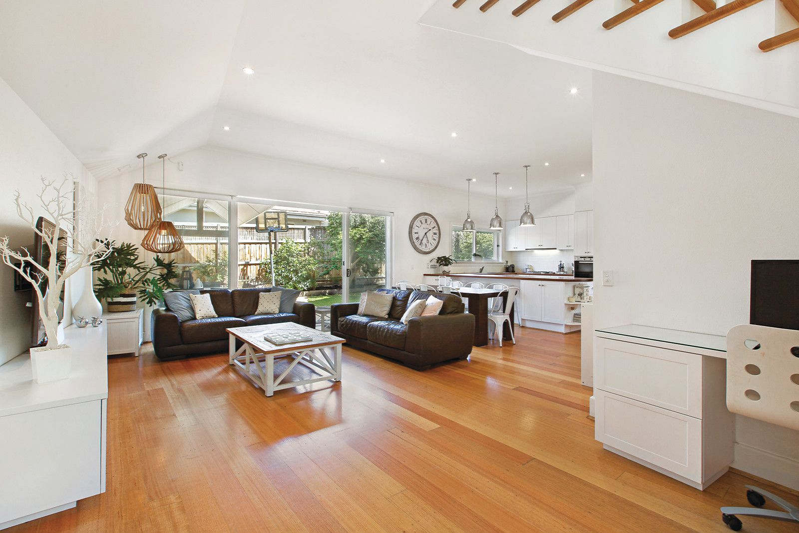 2 Maple Crescent, Camberwell VIC 3124, Image 2