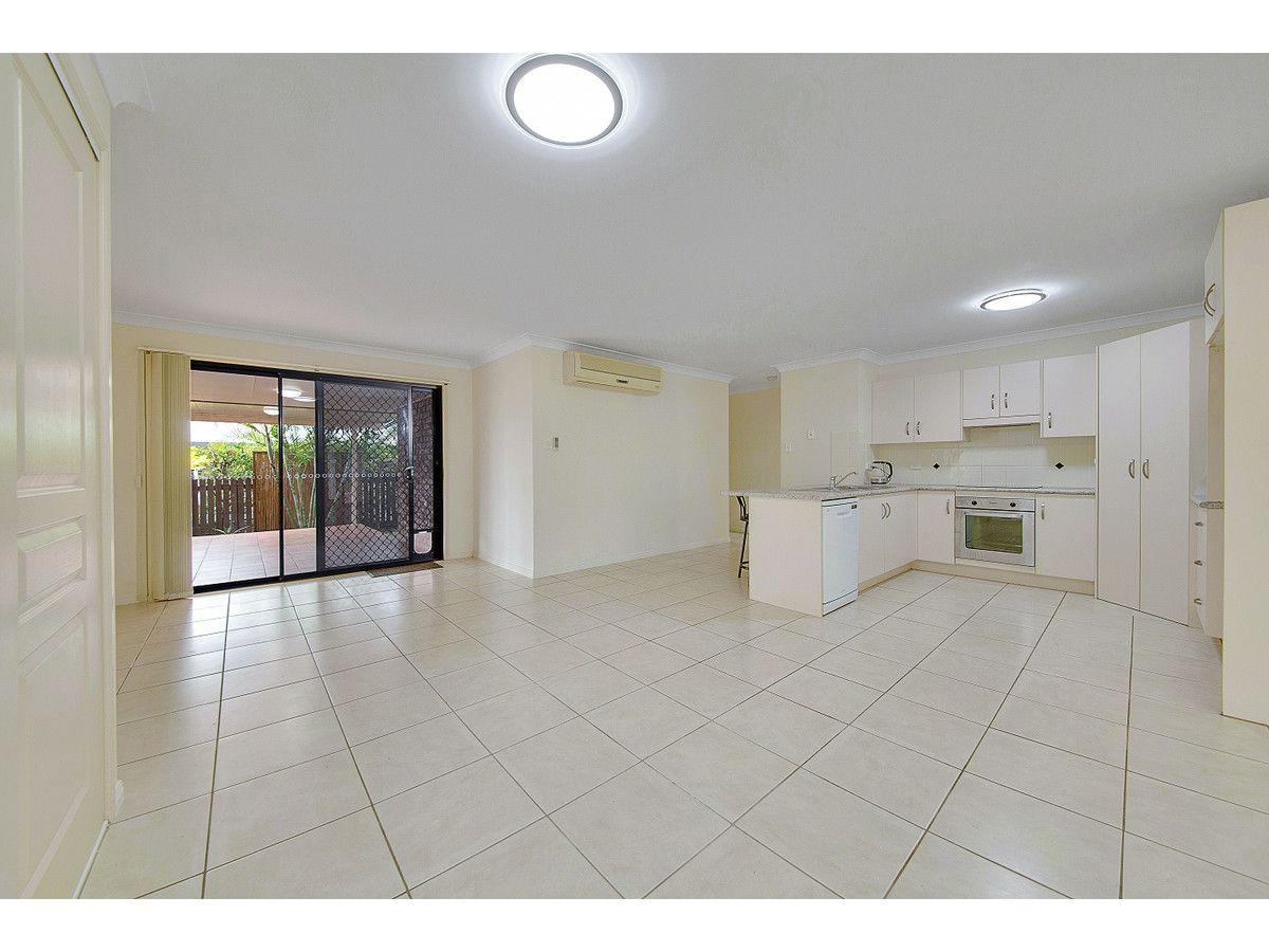 62 Bottlebrush Drive, Lammermoor QLD 4703, Image 2