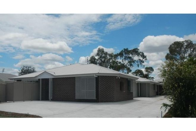 Picture of 1, 2 & 3/22 Lee Street, MILES QLD 4415