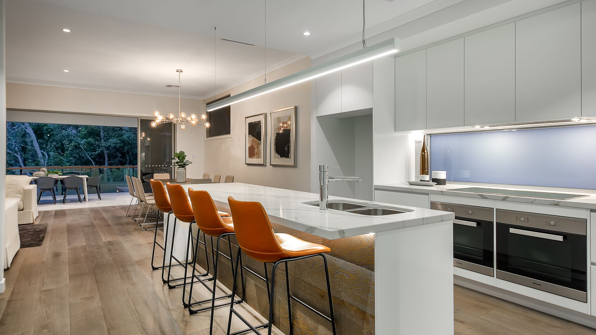 37 Fifth Avenue, Bardon QLD 4065, Image 2
