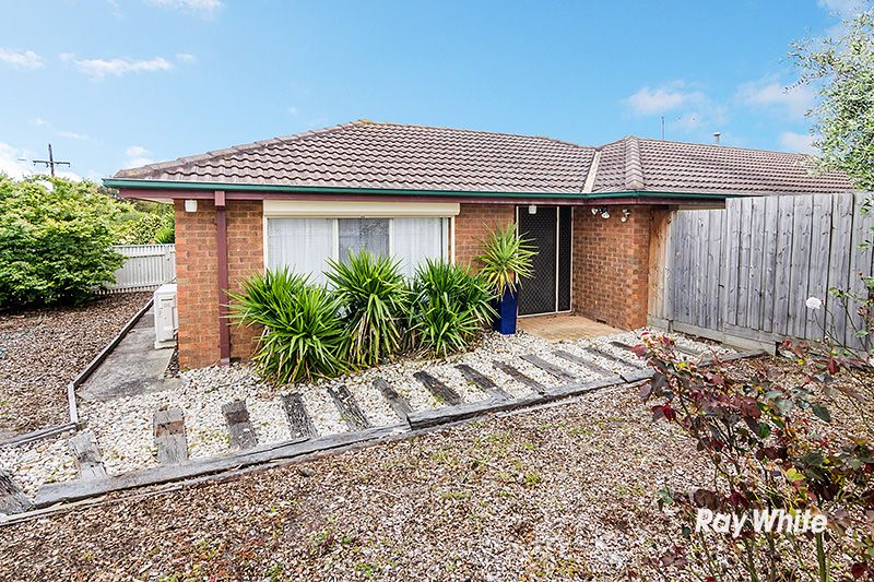 1 Walnut Court, Cranbourne North VIC 3977, Image 0