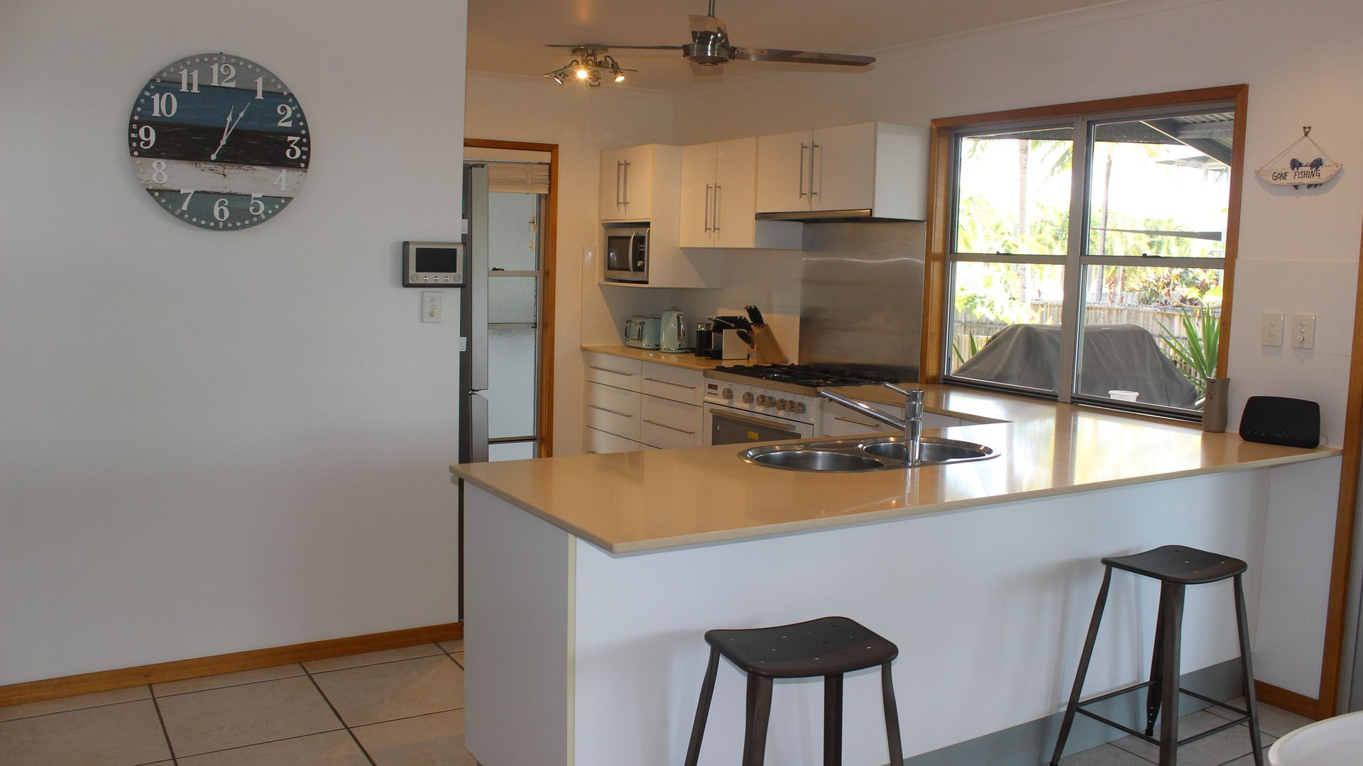10 Cassia Cres, Cardwell QLD 4849, Image 1