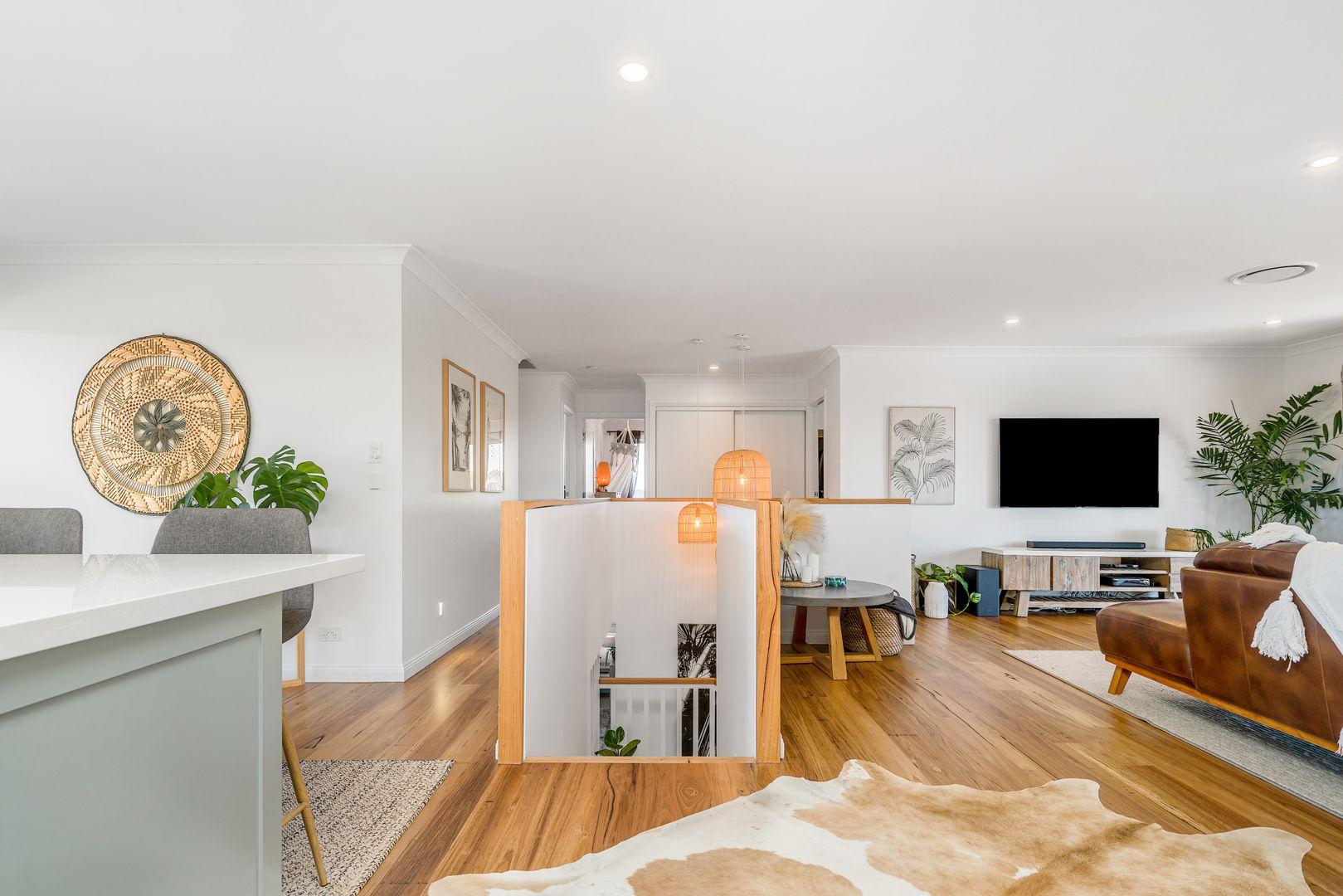28 Castlecrag Avenue, Banora Point NSW 2486, Image 0