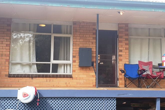 Picture of 2/1 Eastleigh Court, NEWBOROUGH VIC 3825