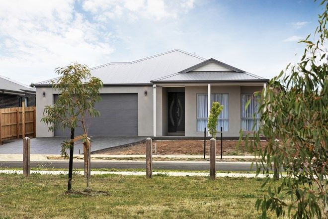 Picture of 5 Town Place, GISBORNE VIC 3437