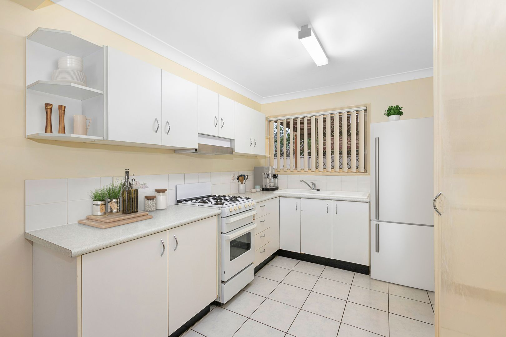 8/31-33 Holland Crescent, Capalaba QLD 4157, Image 2