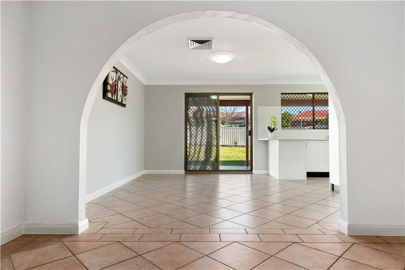 22 Essendon  Street, St Johns Park NSW 2176, Image 2