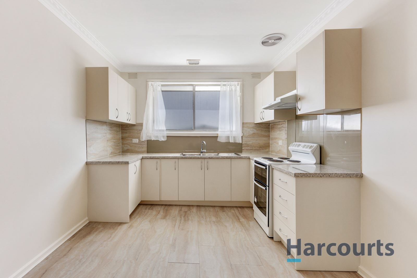 2/32 Roberts Road, Airport West VIC 3042, Image 2