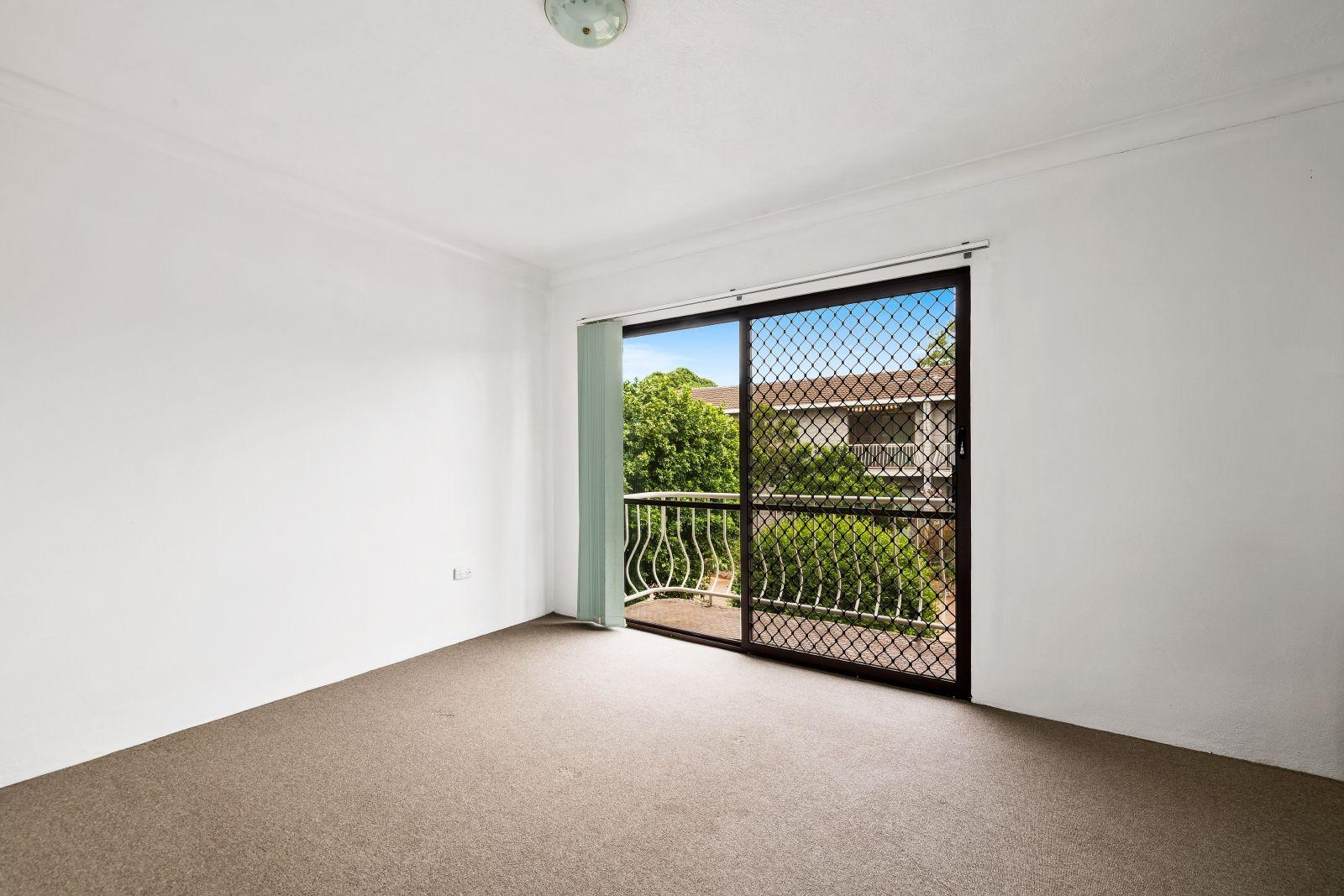 7/67 Taylor Street, Newtown QLD 4350, Image 2