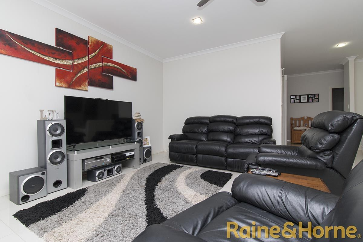 72 Dunheved Circle, Dubbo NSW 2830, Image 2