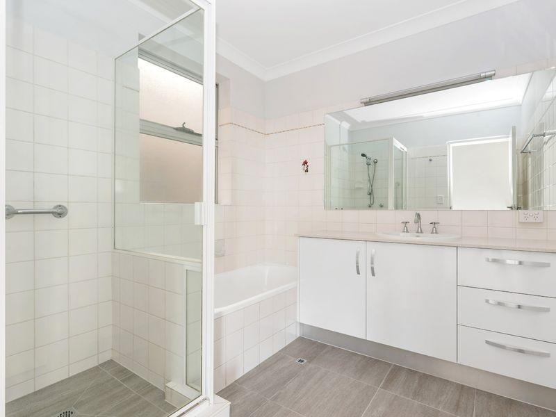 14/1 Lomond Terrace, East Brisbane QLD 4169, Image 2