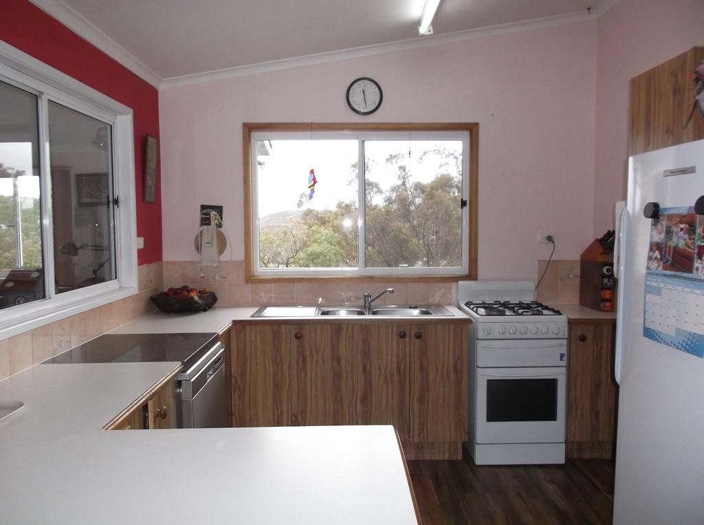 19 Roberts Road, Stanthorpe QLD 4380, Image 2