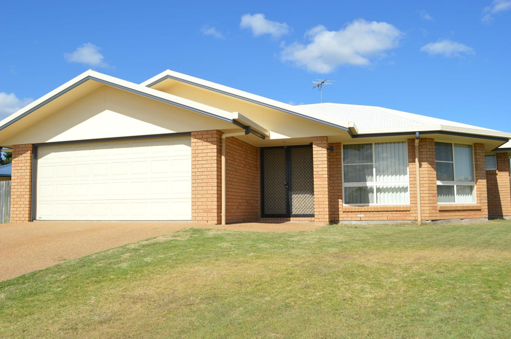 33 Seonaid Place, Gracemere QLD 4702, Image 0