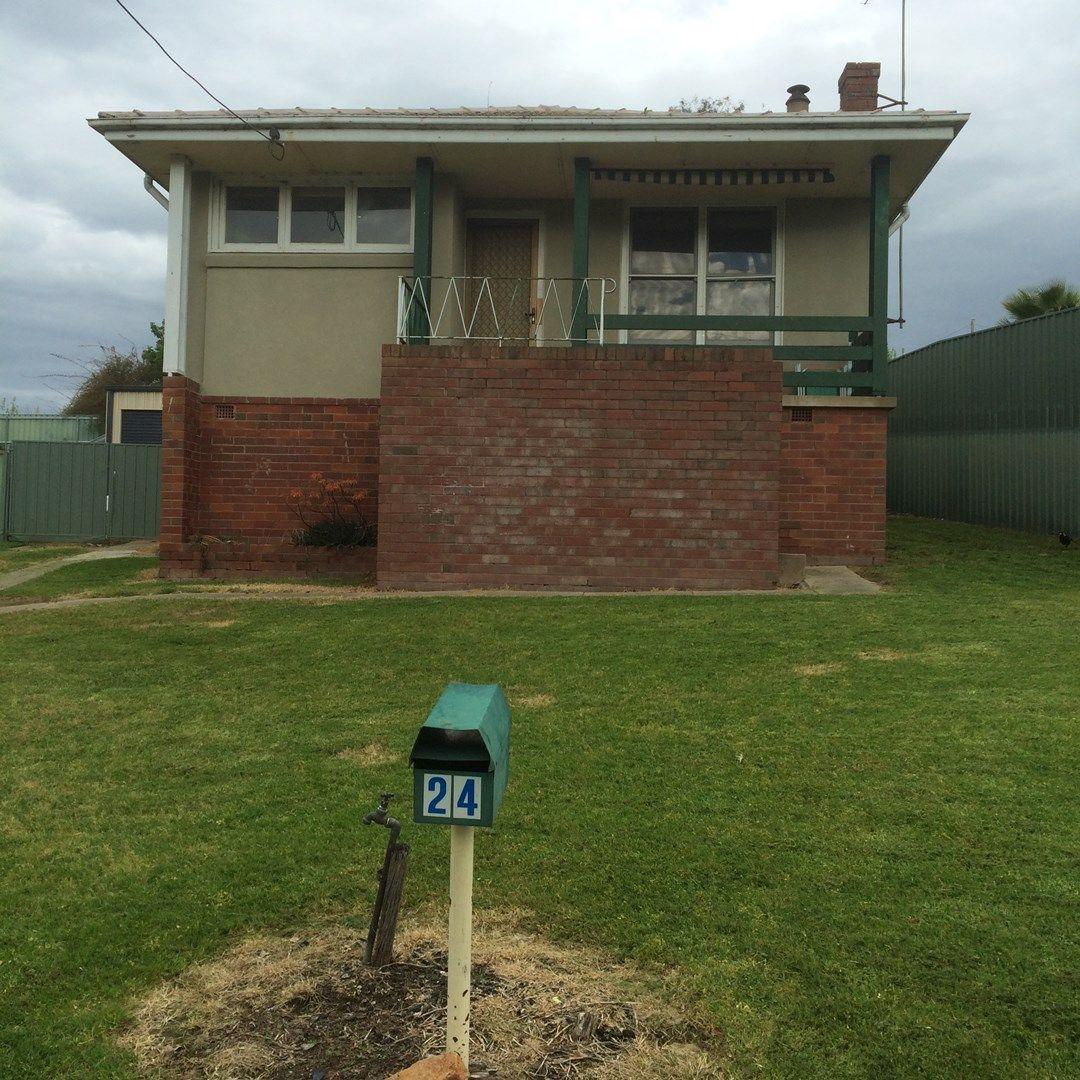 24 Dalhunty Street, Tumut NSW 2720, Image 0