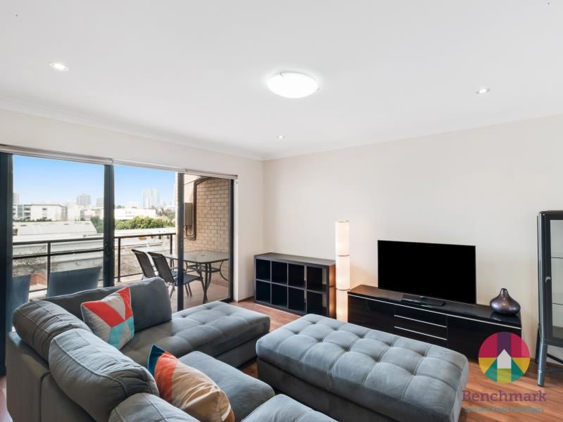 9/104 Brown Street, East Perth WA 6004, Image 2