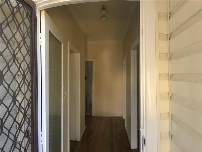 33 Lucas Road, Seven Hills NSW 2147, Image 2