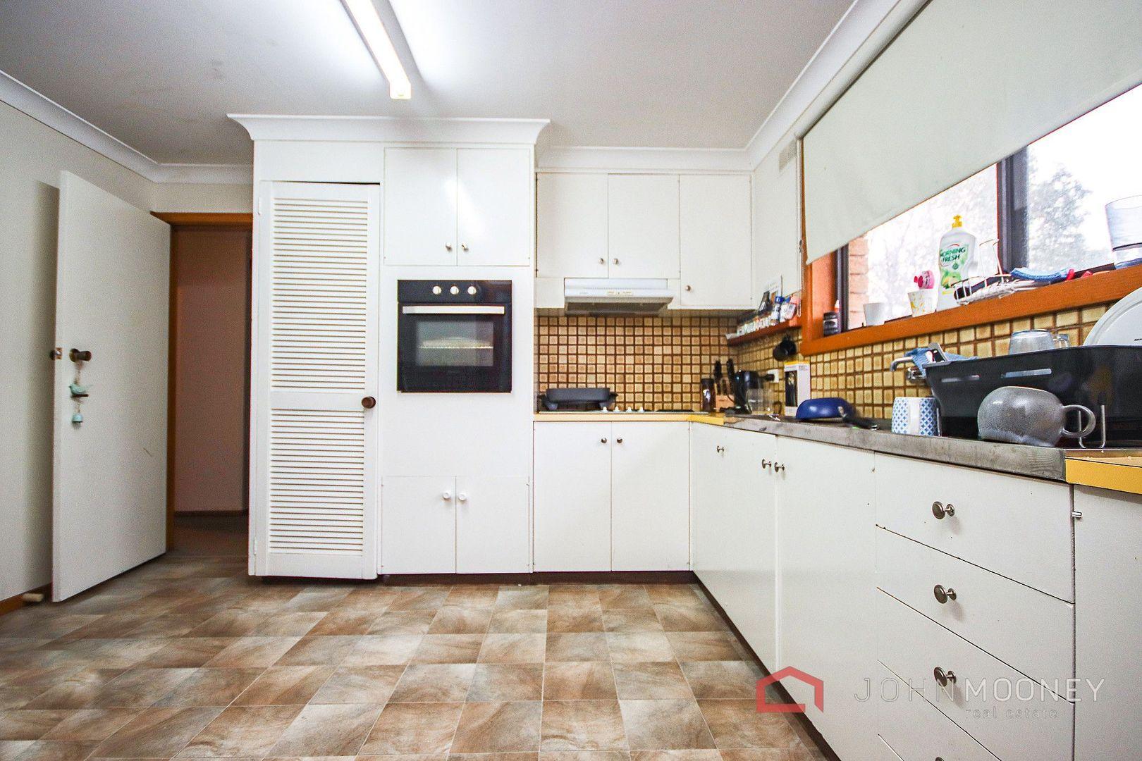 75 Huthwaite Street, Mount Austin NSW 2650, Image 1