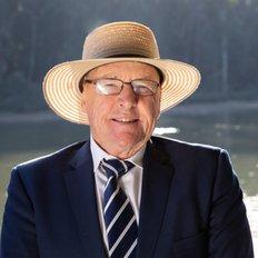 Gary Wood, Director/Auctioneer