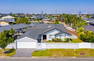 Picture of 10 Edinburgh Road, Benowa Waters QLD 4217