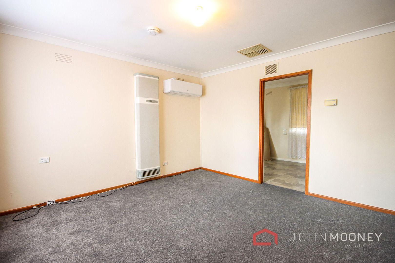36 McKell Avenue, Mount Austin NSW 2650, Image 2