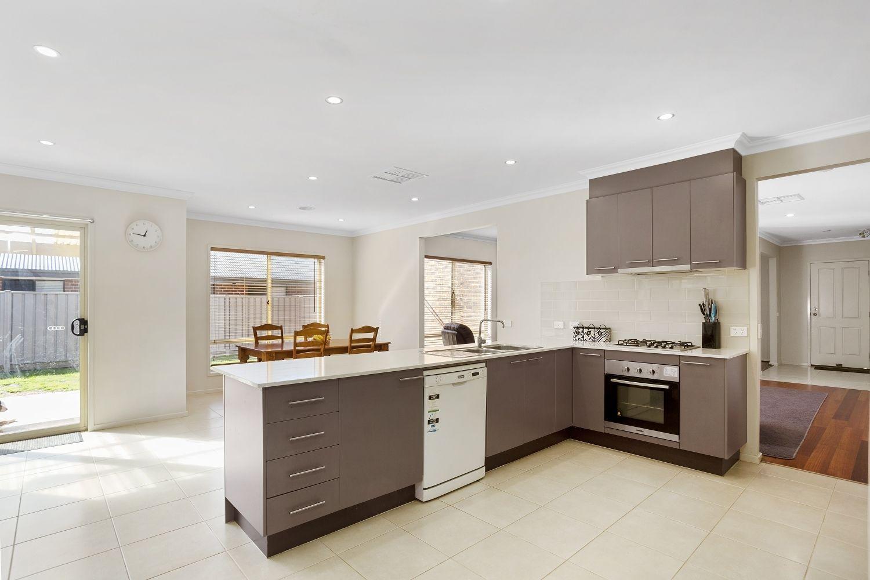 14 Victoria Avenue, Kangaroo Flat VIC 3555, Image 1