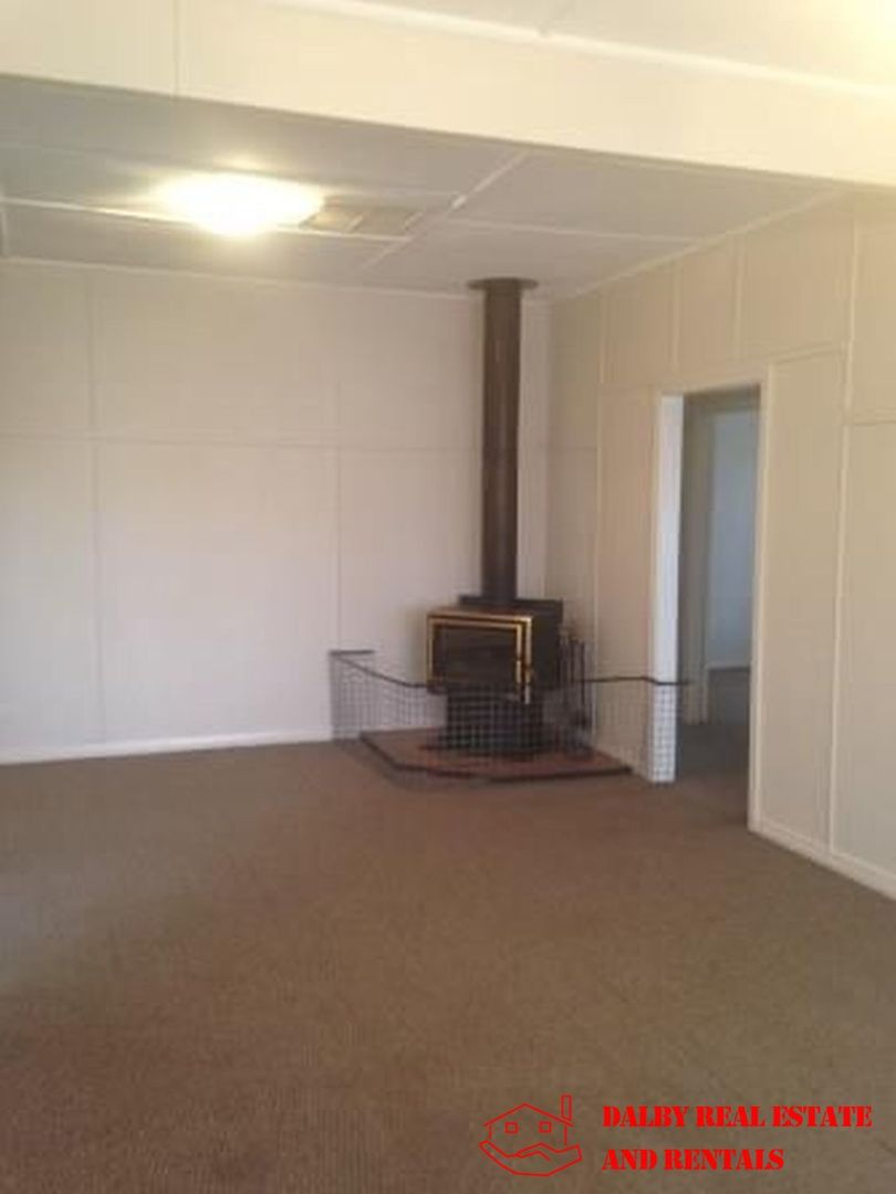 16 Wallace Street, Dalby QLD 4405, Image 2