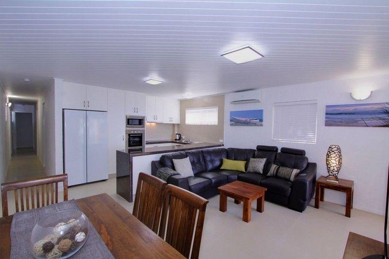 Unit 4, The Waves, 8 Miller Street, Bargara QLD 4670, Image 2