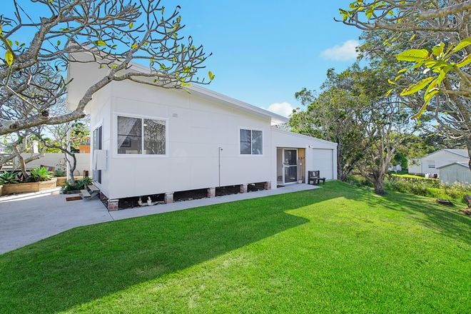 Picture of 11 Pacific Street, CRESCENT HEAD NSW 2440