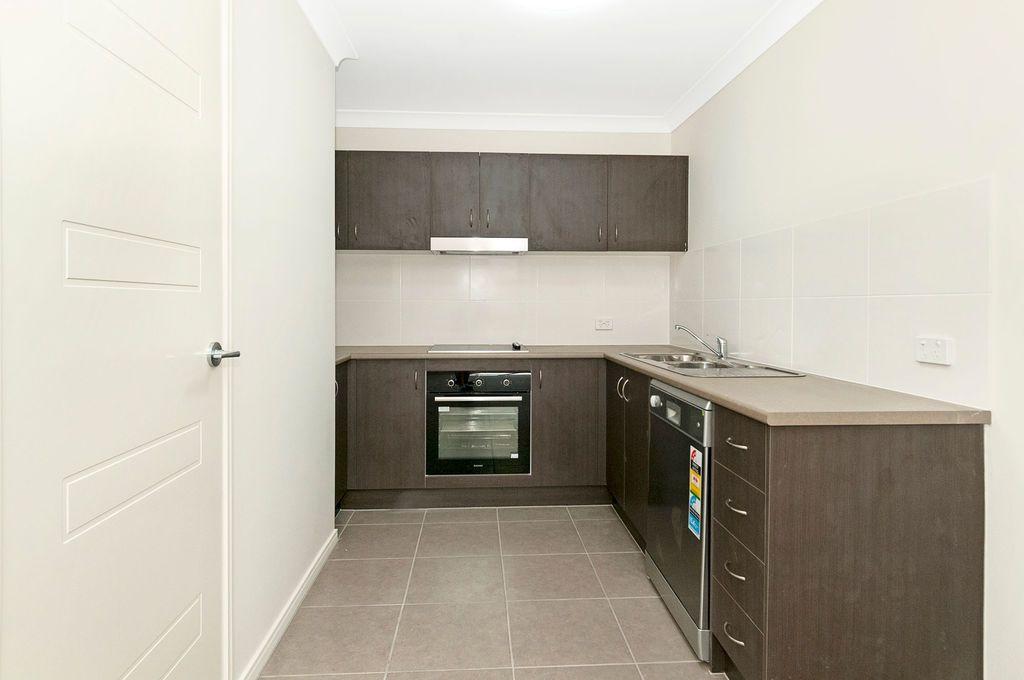 1/7 Sunrise Court, Loganlea QLD 4131, Image 2