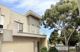 Picture of 3/30 Cranwell Square, Caroline Springs VIC 3023