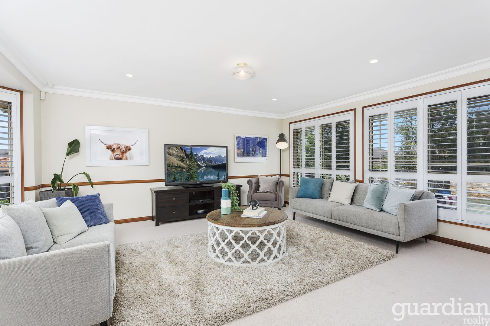 11 Freycinet Close, Dural NSW 2158, Image 2
