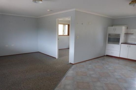 7 Sandford Street, Moore QLD 4306, Image 2