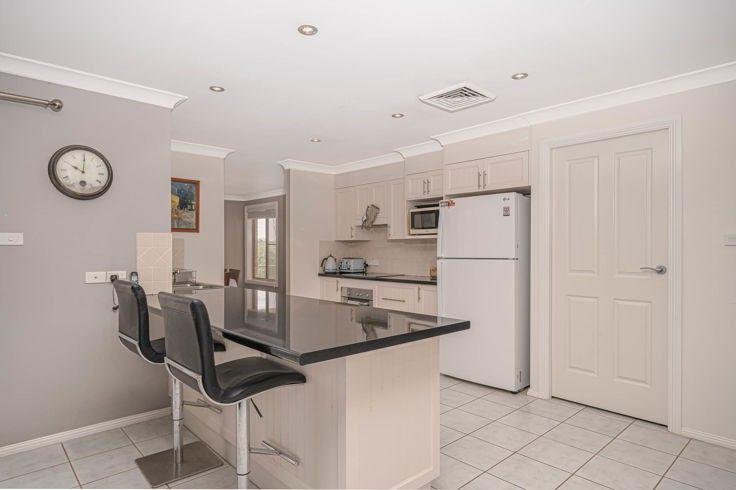9 McCarthy Crescent, Armidale NSW 2350, Image 2