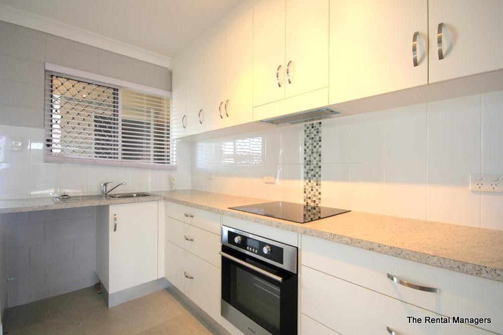 4/32 Henry Street, West End QLD 4810, Image 2